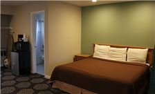 Country Inn Santa Rosa Room - Deluxe King Bed Room