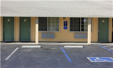Country Inn Santa Rosa Amenities - Parking Space