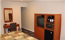 Country Inn Santa Rosa Room - Standard King Bed Room Amenities
