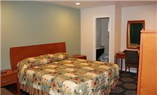 Country Inn Santa Rosa Room - Standard King Bed Room